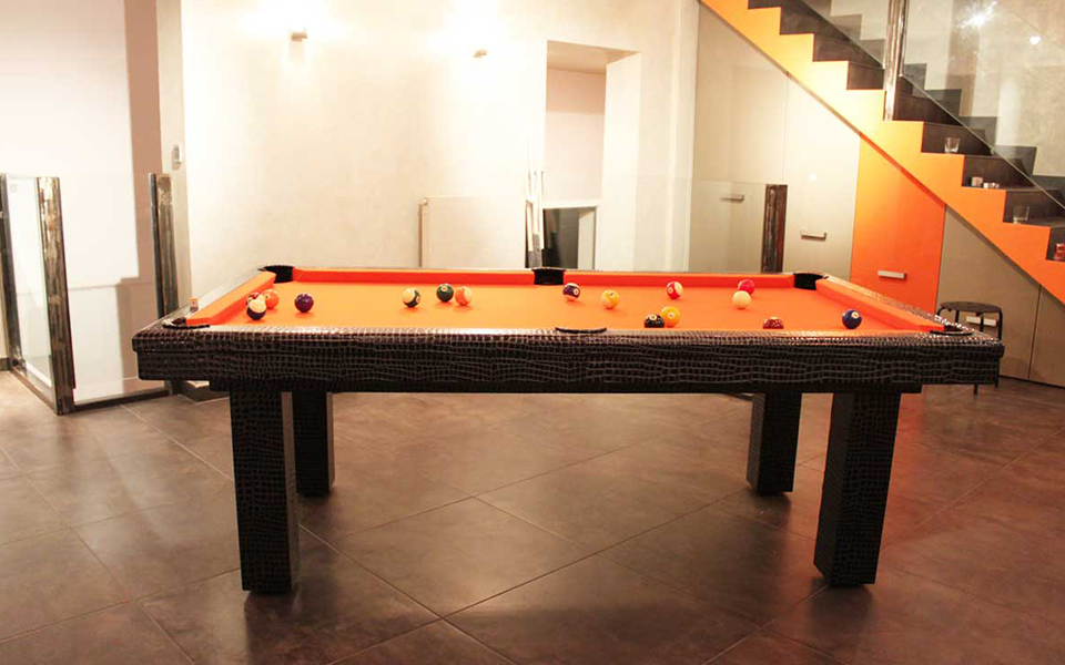 pool table leather billards toulet. Black Bedroom Furniture Sets. Home Design Ideas