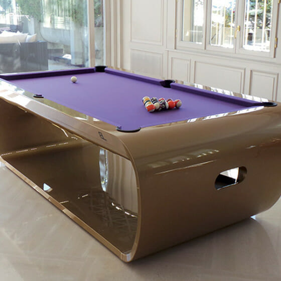 the-blacklight-billard-toulet-gold-and-purple