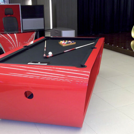the-blacklight-billard-toulet-red-lacquer